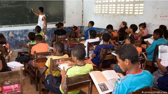 Governada pelo PT há 16 anos a Bahia é o estado com maior número de  analfabetos do Brasil aponta o Censo 2019 – AcreNews